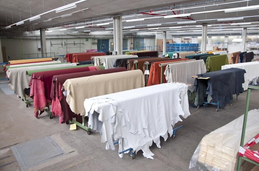 luke handels gmbh in attnang puchheim einzelhandel textilhandel gesch fte handel. Black Bedroom Furniture Sets. Home Design Ideas