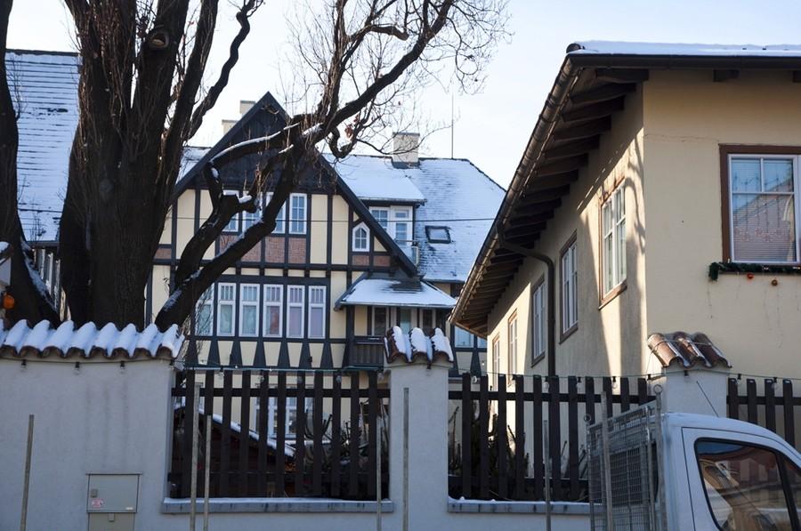 haus zu den zwei eichen in perchtoldsdorf pension privatzimmer beherbergung. Black Bedroom Furniture Sets. Home Design Ideas