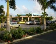 Clayton Lloyd Int.Airport scene