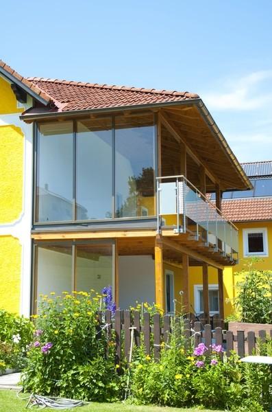 terrassen u balkon berdachung hubert riedl zellulosed mmung dachausbau zimmerei. Black Bedroom Furniture Sets. Home Design Ideas