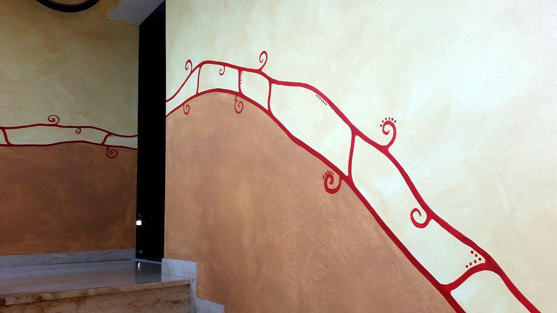 Malerei kreuziger malermeister fassade farbe boden for Boden mit schrift