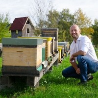 Bienenstöcke mit Roland Seiringer