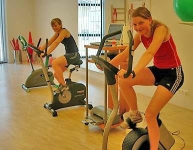 Leistungsdiagnostik bei zwei jungen Schifahrerinnen