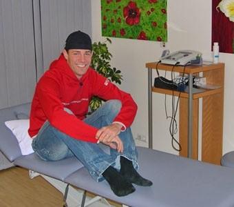 Kombinierer Michael Gruber wurde nach seinem schweren Sturz 2005 in unserer Praxis behandelt