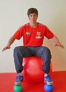 Oberkörperkontrolle und Gleichgewichtstraining im Schisport