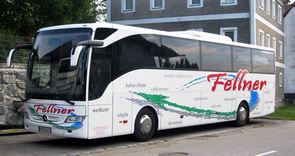 Mercedes benz tourismo rhd 49 sitzer fellner gmbh busreisen for Mercedes benz financial login