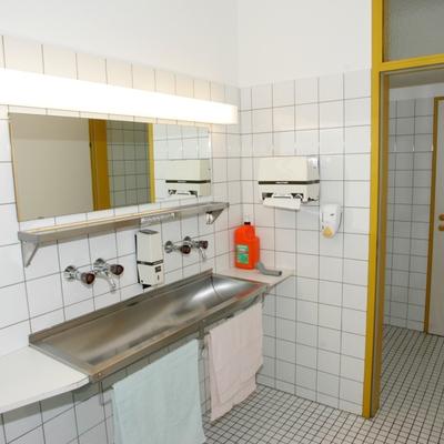 Waschraum + WC