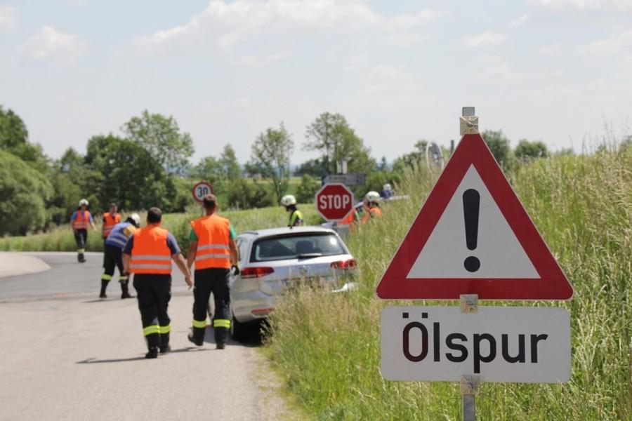 Einsatz: Ölspur nach Verkehrsunfall
