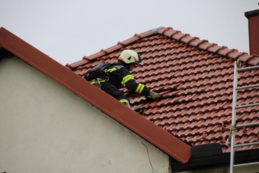 Einsatz: Sturmschaden - gelöste Dachziegel