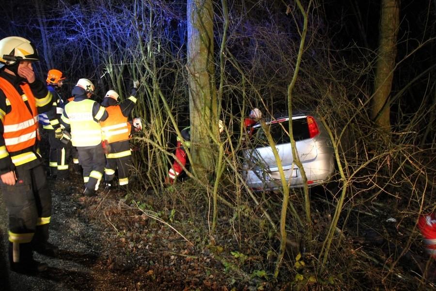 Einsatz: Verkehrsunfall mit eingeklemmter Person
