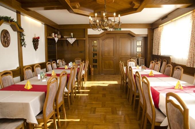 thumb w680 h800 Gasthaus Unterdechler Saal5