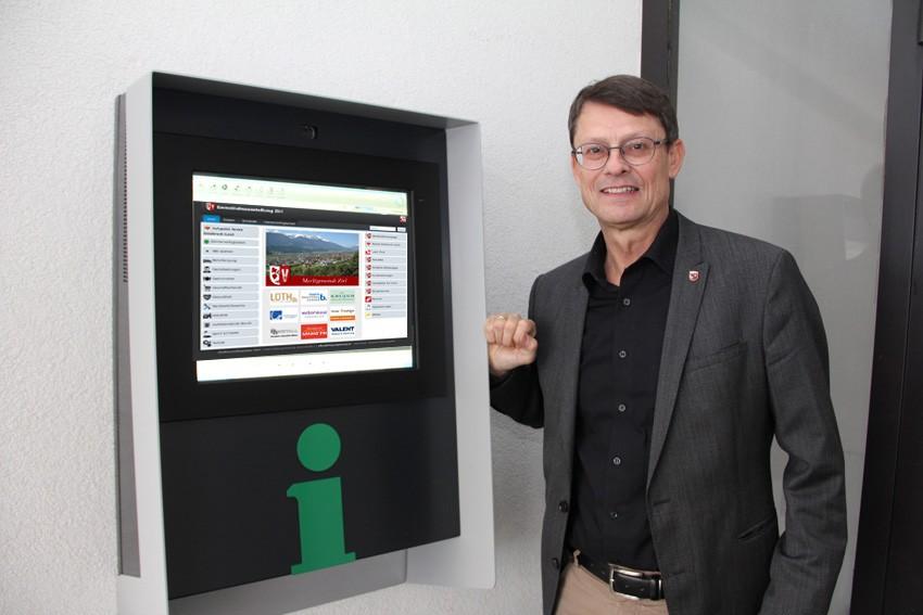 http://assets.sta.io/site_media/u/si/2017/11/30/Inbetriebnahme_Infopoint_Zirl_mit_Burgermeister_Ofner.JPG