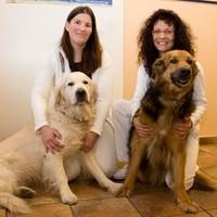 Team: (links) Schreiber Beate mit Sam, (rechts) Mag. Regina Cserna mit Paolo