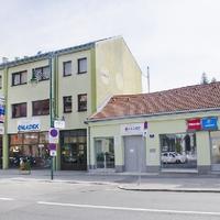 Anton Chladek   Fahrzeughaus 2
