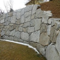 Steinmauer (130)