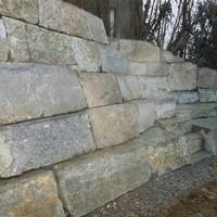 Steinmauer (56)