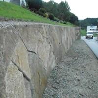 Steinmauer (75)