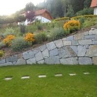 Steinmauer (80)