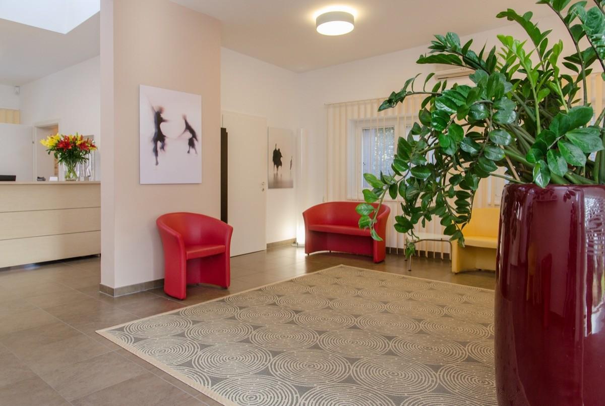 galerie praxis f r zahnmedizin dr nada kosarevic. Black Bedroom Furniture Sets. Home Design Ideas