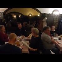 23 Sekunden der Weihnachtsfeier des Aphasie-Club in Wien am 17.12.2015