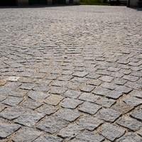 Naturpflastersteine alt und neu verlegt (1)