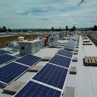 IBC_Photovoltaik-Anlage_Wohnblock_Baustelle