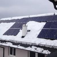 IBC_Photovoltaik-Anlage_Schrägdach_Schnee