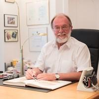 Dr. Arthur Bernhard Brucker FA für Neurologie1