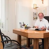 Dr. Arthur Bernhard Brucker FA für Neurologie4
