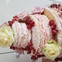 Ncked Cake im Zuckerkleid