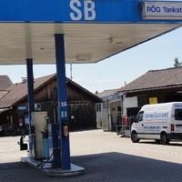 Diskont-Tankstelle (1)