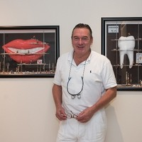 Dr.Dr. Michael Haas Zahnarzt