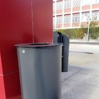 Stadtgemeinde Freistadt Mülleimer mit Aschenbecher versperrbar