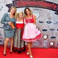 Rosi Schipflinger, Sonnbergstuben und Claudelle Deckert, Schauspielerin mit Monika Jachs