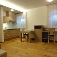 Appartements mit Küche und Klimaanlage (2)