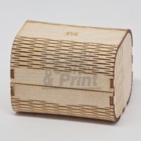 Schmuckschatulle aus Ahorn-Sperrholz, die Biegsamkeit wird durch die Anordnung der Schnitte erreicht.