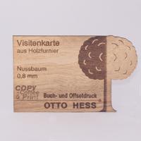 Lasergeschnitttene Visitenkarte aus Nussholzfurnier