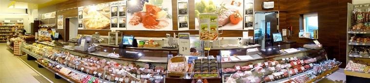 Innenansicht Fleisch , Wurst  und Brotabteilung