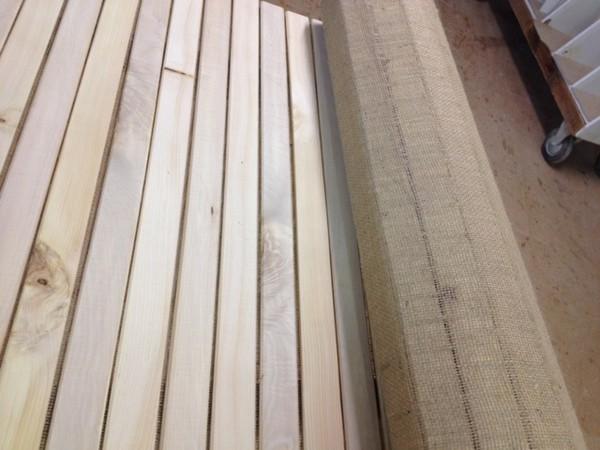 Betteinlegematten aus Rosskastanie kombiniert mit Zirbenholz