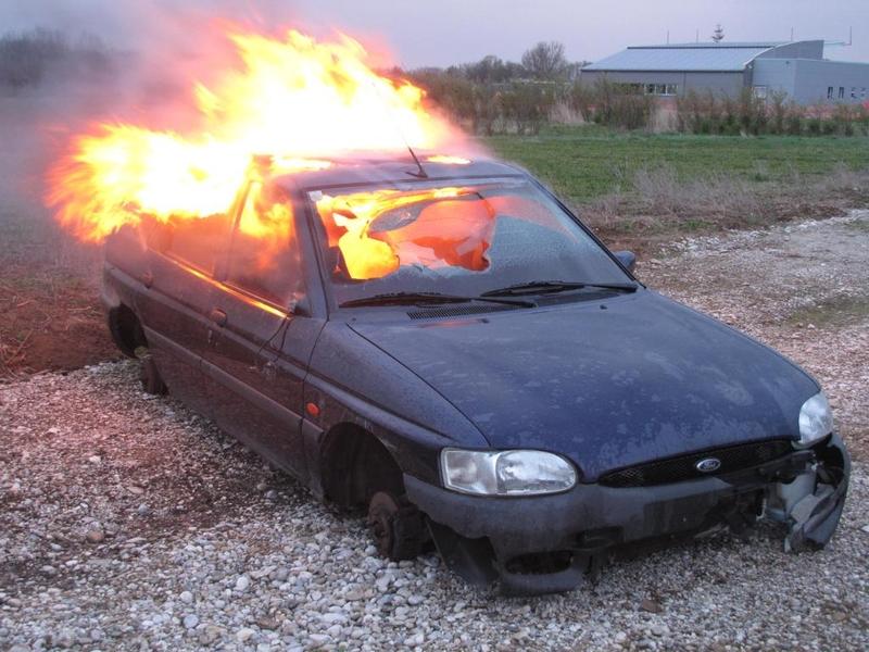ÜBUNG: Fahrzeugbrand