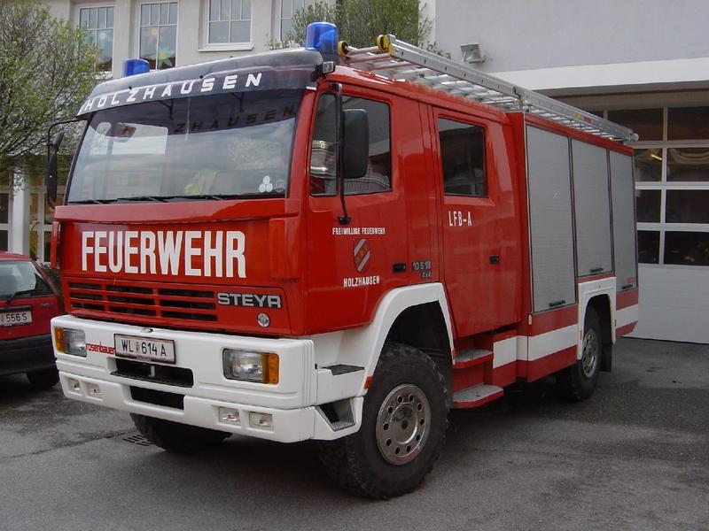 EINSATZ: Aufräumarbeiten nach Verkehrsunfall