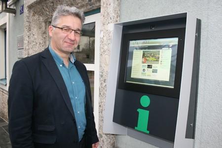 Inbetriebnahme Infopoint Jenbach Herbst 2015 mit Bürgermeister Dietmar Wallner