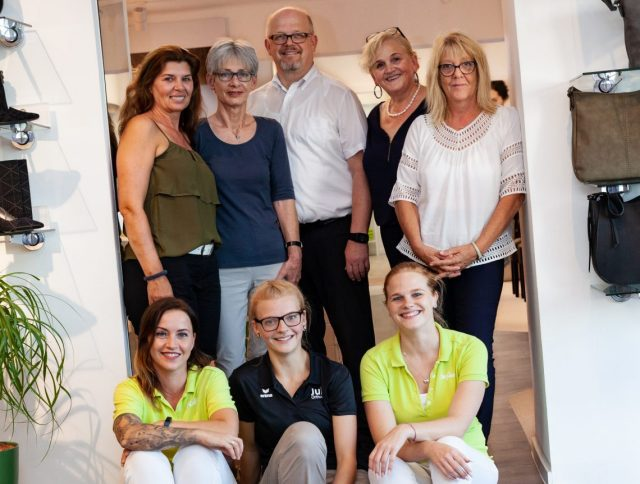 Familie Iraneck und Team 640x484 50